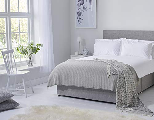 Early's of Witney 200 Thread Count Combed Cotton King Duvet Set In White