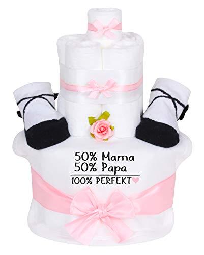 Trend Mama Windeltorte im Geschenkkarton Mädchen - Babysocken + hochwertig bedrucktes Lätzchen -Spruch-50% Mama 50% Papa 100% Perfekt