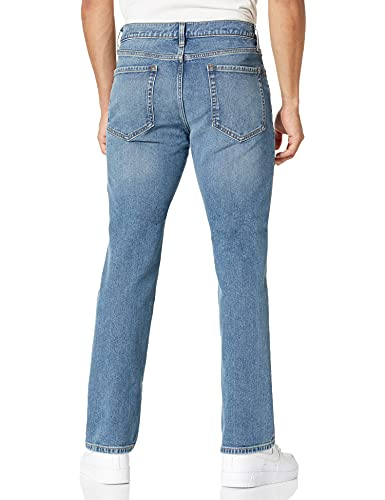 Amazon Essentials Men's Straight-Fit Stretch Bootcut Jean, Light Wash, 28W x 30L