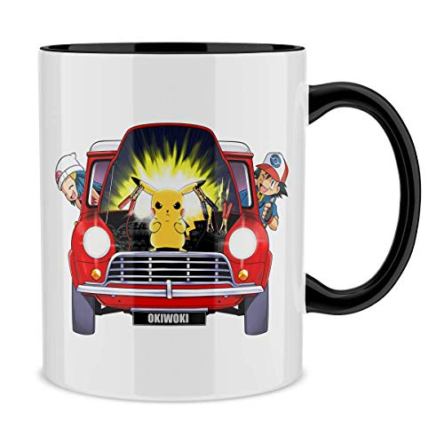 Okiwoki Mug avec Anse et intérieur de Couleur (Noir) - Parodie Pokémon - Pikachu, Sasha et Aurore - Pika dépannage (Mug de qualité supérieure - imprimé en France)