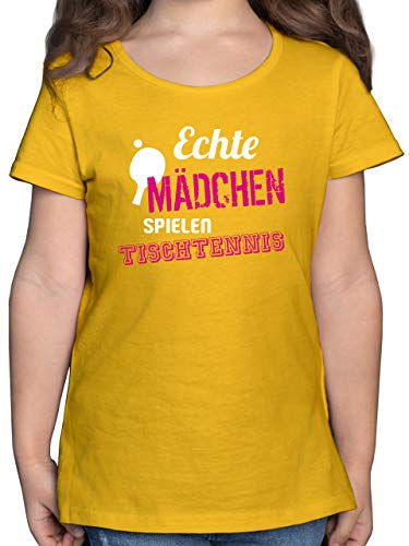 Sport Kind - Echte Mädchen Spielen Tischtennis - 116 (5/6 Jahre) - Gelb - echte mädchen Spielen Tischtennis - F131K - Mädchen Kinder T-Shirt