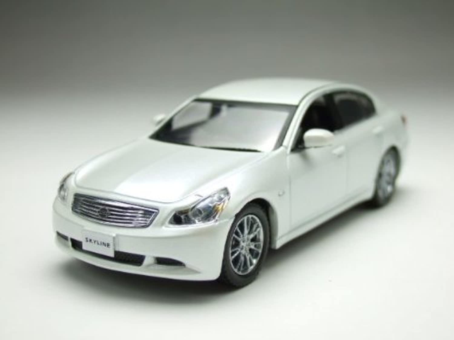 J-Collection DJC 1 43 Skyline Sedan 350GT V36 2006 (White Pearl)(japan import)