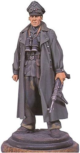 Officer (1943)