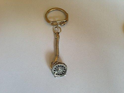 F9Fliegenrolle aus feinem englischen Zinn auf eine Schlange Schlüsselanhänger handgefertigt mit prideindetails Geschenk verpackt handgefertigt in Sheffield