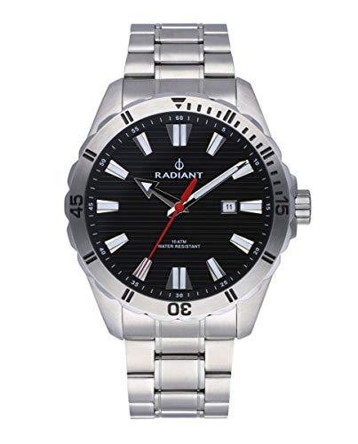 Reloj analógico para Hombre de Radiant. Colección Tagrad. Reloj Plateado con Brazalete y con Bisel Plata y Esfera Negra. 10ATM. 44mm. Referencia RA480204.