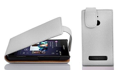 Cadorabo Hülle für Sony Xperia E1 in Magnesium WEIß - Handyhülle im Flip Design aus Strukturiertem Kunstleder - Hülle Cover Schutzhülle Etui Tasche Book Klapp Style