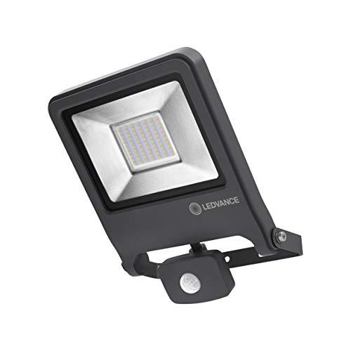 LEDVANCE LED Fluter, Leuchte für Außenanwendungen, integrierter Bewegungssensor, Warmweiß, ENDURA FLOOD Sensor