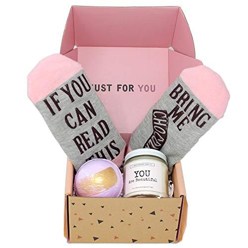 生日妇女礼品篮子盒子为她的3个乐趣独特的礼物与大豆蜡烛,浴炸弹,有趣的袜子