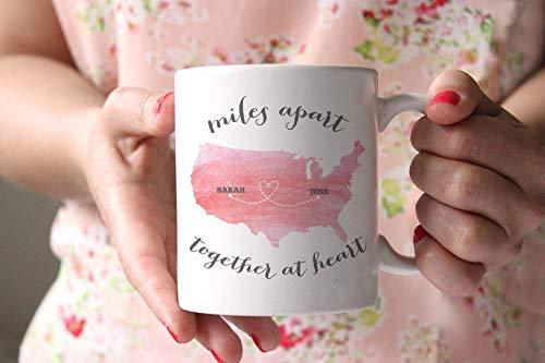 Max345Gall Miles Apart Together at Heart - Taza de café personalizada, taza de acuarela - regalo para mamá - regalo para hermana BFF, Navidad, cumpleaños, Acción de Gracias, regalo de boda