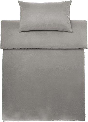 Amazon Basics - Juego de fundas de edredón y de almohada de microfibra, 135 x 200 cm + 1 funda 50 x 80 cm - Gris topo