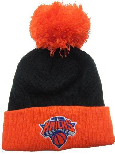 adidas New York Knicks Strickmütze mit Bommel, Schwarz/Orange