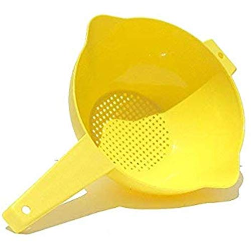 Tupperware 2 Quart Colander Strainer with Handle, Yellow