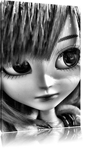 Pullip-poppen op de zomer weideFoto Canvas | Maat: 60x40 cm | Wanddecoraties | Kunstdruk | Volledig gemonteerd