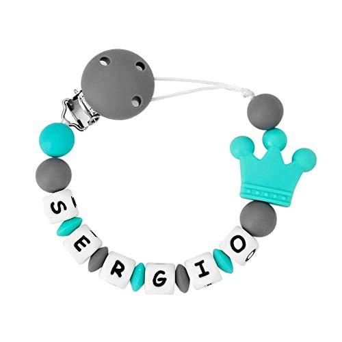 RUBY - Chupetero Personalizado con Nombre, Pinza de Silicona con 3 Agujeros de Seguridad Anti Asfixia y Piezas de Silicona Antibacteriana Libre de BPA con Cinta (Gris)