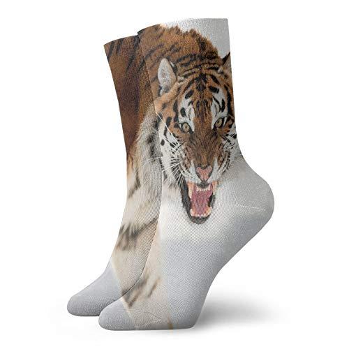 Pantera Tigris Altaica - Calcetines de longitud media de pantorrilla suaves, imagen de primer plano con fondo nevado enojado, foto cazador, calcetines para hombres y mujeres