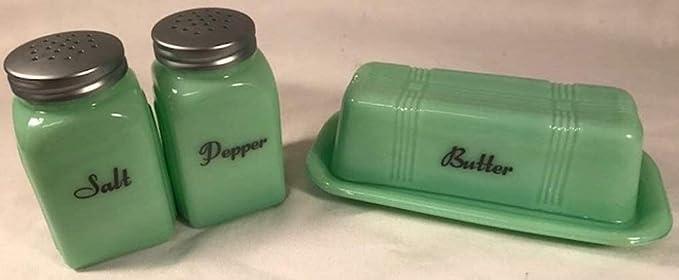 A Great Set of Reddy Kilowatt Salt /& Pepper Shakers Set 1