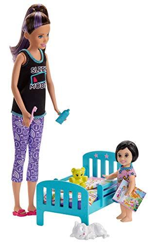Barbie® Skipper Babysitter Playset con Bambole Nanna con Bambina, Lettino e Accessori, Giocattolo per Bambini 3+ Anni, GHV88