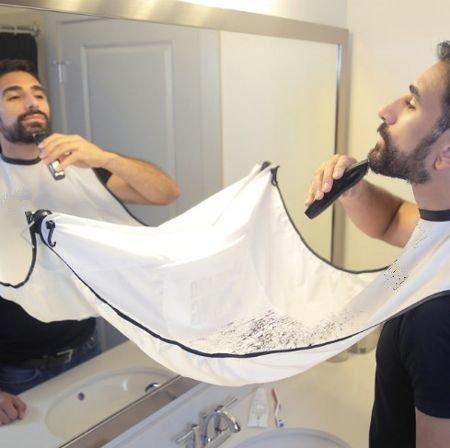 Ducomi® Grembiule da barba, Bavaglino da barba, Mantellina da barba per facilitare la rasatura e non sporcare il lavandino ogni volta che si taglia la barba. Regalo Uomo. (Bianco)