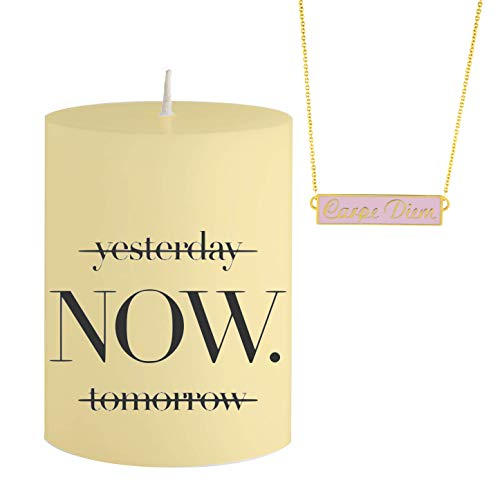 Vela con bisutería y obsequio - Yesterday Now Tomorrow - Collar Escondido de Color Rosa y Dorado con Colgante Carpe Diem - Vela aromática Naranja Amarillo - Idea