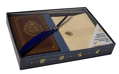 Harry Potter: Hogwarts School of Witchcraft and Wizardry Desktop Stationary Set