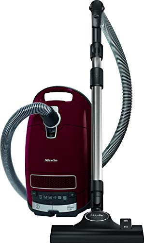 Miele Complete C3 Pure Red PowerLine / Bodenstaubsauger mit Beutel / 890 Watt / 12 m Aktionsradius / Universal-Bodendüse / integriertes 3-teiliges Zubehör / Brombeerrot