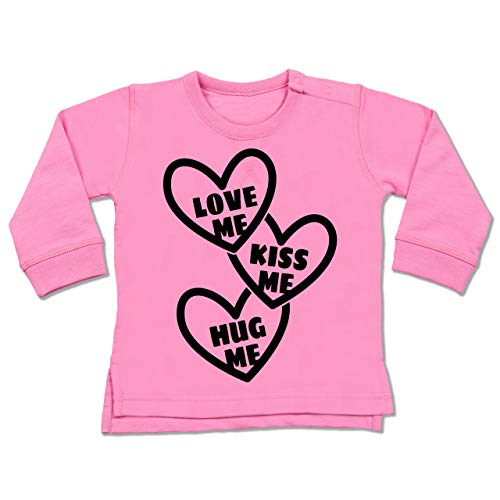 Valentinstag Baby - Love me, Kiss me, Hug me mit Herzen - schwarz - 6/12 Monate - Pink - Love me, kiss me, Hug me - BZ31 - Baby Pullover