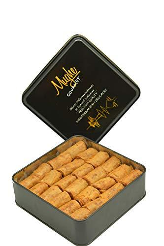 Mughe Baklava Halva-Geschmack- Tahini Sesam-Rollen - Knusprige türkische Tahini Baklava Kekse (ca. 50 Stk.) - Baklava mit gerösteten gemahlenen geschälten Sesamkörnern - (plus Blechdose - 500g)