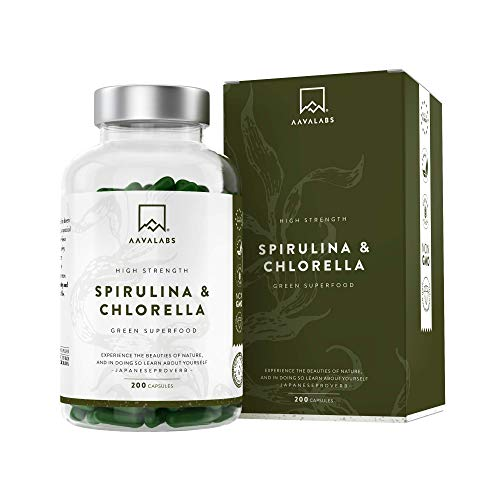 Organic Spirulina Chlorella Capsules [ 1800 mg ] - 200 Powder Capsules - High Quality Phytonutrient Dense Blue Algae Blend - Perfect for Smoothies - 100% Vegan - 3rd Party Tested - Made in Europe