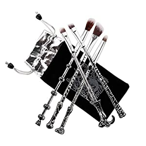 A NICE QUALITY The Potter Merchandise Magic Wand Makeup Brush set consists of 5 brushes , made of metal handle , aluminum alloy and synthetic soft fine hair . AN EXQUISITE DESIGN Fancy look and special wizard magic wand design, every small part of th...