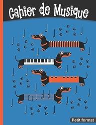 Cahier de musique Petit format: 17 x 22 cm 48 pages   Carnet de partition avec portées pour solfège ou composition   Chien rigolo pour enfant et adulte