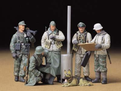 タミヤ 1/35 ミリタリーミニチュアシリーズ No.212 ドイツ陸軍 歩兵 野戦会議セット プラモデル 35212