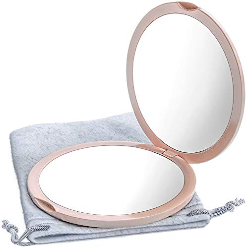Magnifying Compact Mirror by Mavoro