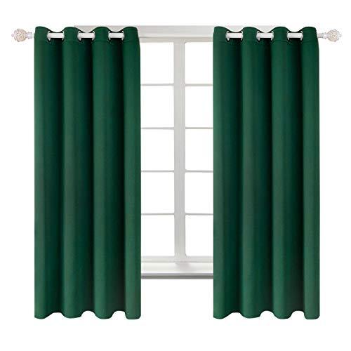 BGment 2er Set Gardinen Vorhang Oliv Grün Blickdicht mit Ösen,Doppelpack Verdunklungsvorhänge Verdunkelungsgardine,137 x 117 cm (H x B),leicht schwere Vorhänge Wohnzimmer Schlafzimmer