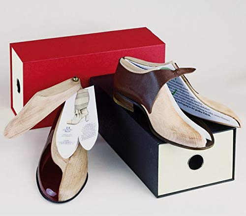 Das paar Schuhe. Box mit Herren- und Damen-Schuh