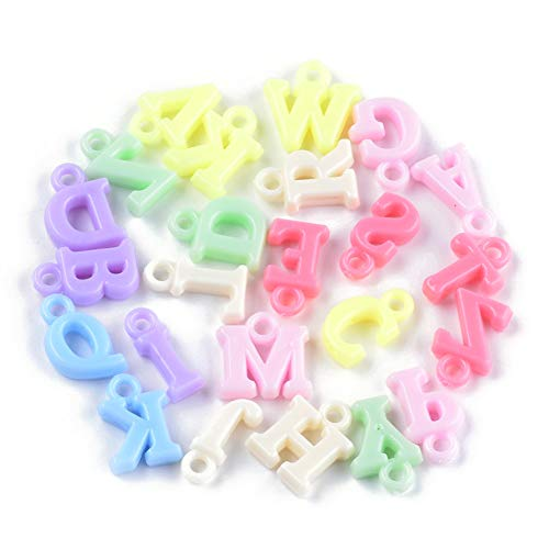 Cheriswelry 2100 colgantes de letras del alfabeto coloridos opacos colgantes de acrílico con letras de la A a la Z y mayúsculas para niños, joyas, nombres, pulseras, llaveros, manualidades
