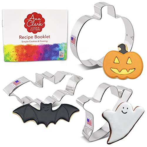 Ann Clark Cookie Cutters Set di formine per biscotti a tema di Halloween (3 pezzi) con ricettario e le forme di pipistrello, zucca e fantasma - Acciaio prodotto negli Stati Uniti