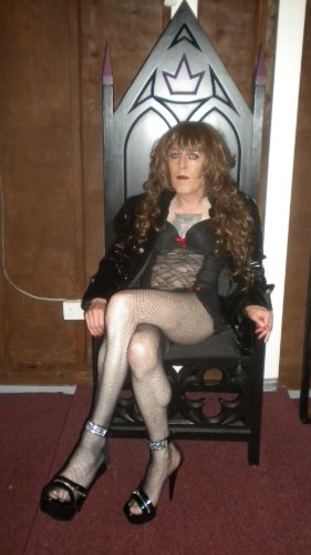 From Nash will to the Goddess commands: A Memoir of my ongoing journey through the BDSM scene in Ireland (English Edition)