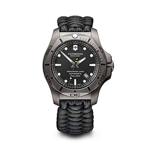 Victorinox INOX Relógio analógico de quartzo masculino com pulseira de nylon V241812