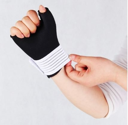 Find Bargain 1 Piece Hand Wrist Thumb Palm Support Brace Protector Arthritis Sports Compression Glov...