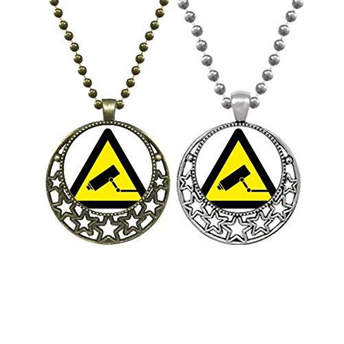 Símbolo de advertencia amarillo negro monitor cámara triángulo amantes collares colgante retro luna estrellas joyería