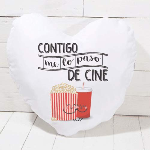 SUPERMOLON Cojín corazón Me lo Paso de Cine - Regalo San Valentín, Enamorados, Aniversario, Amor - Cojín Forma de corazón 40x40 cm con Relleno Incluido