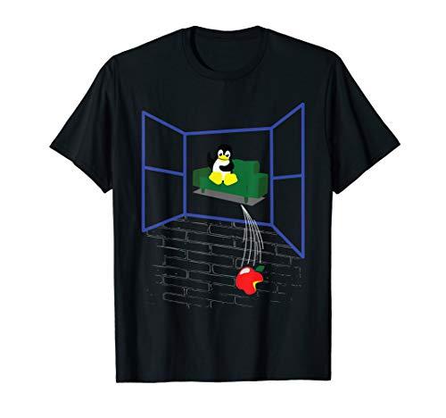 Linux Pinguin Wirft ein Apple aus dem Fenster T-Shirt