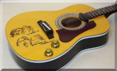 JOHN LENNON Miniatura Guitarra ACOUSTIC PEACE BEATLES