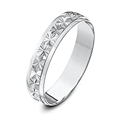 Solid 9ct gold (375 hallmark) available in yellow or white gold Handmade - manufactured in London (UK) using pure fine gold Highly polished finish - diamond cut patterned D shape - a term used where the ring is curved on the outside and flat on the i...