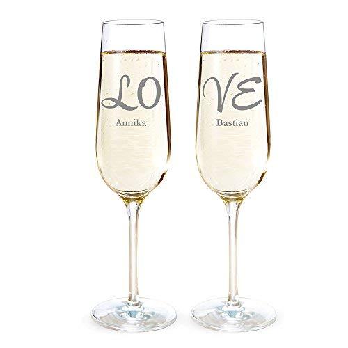 AMAVEL Sektgläser 2er Set mit Gravur für Paare, Love, Personalisiert mit Namen, Individuelle Sektflöten als Geschenk-Idee für Verliebte, Sektkelch Hochzeitsgeschenk, ca. 0,2 l