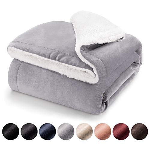 Blumtal Manta Reversible de Sherpa y Microfibra Suave : Manta Polar súper Suave, Manta de sofá, Manta de Cama, Colcha o Manta de Sala de Estar, 150 x 200 cm, Gris