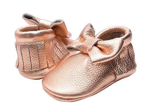 HONGTEYA Mocassins de couro para bebês Mocassins de sola rígida com borla para berço para meninos e meninas, Bow-pink Gold, 12-18 Months Infant