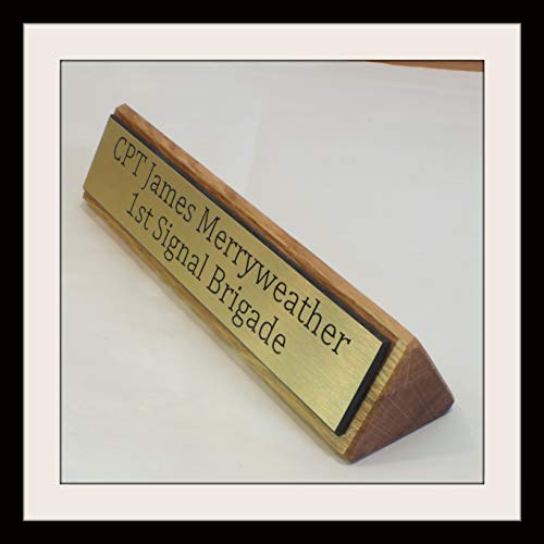 Signs at Home EXECUTIVE ENGRAVED LIGHT OAK WOODEN DESK NAME PLAQUE (Oak with Gold Plaque, Gold)