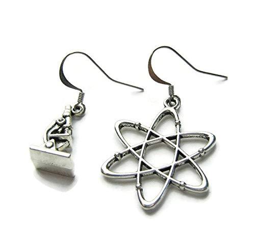 Silver Knight Atom- und Mikroskop-Ohrringe, wissenschaftliche Ohrringe, Wissenschaftler, Physik-Ohrringe, Molekül-Ohrringe, Chemie-Ohrringe, Assymetrisch, in einer Geschenktasche