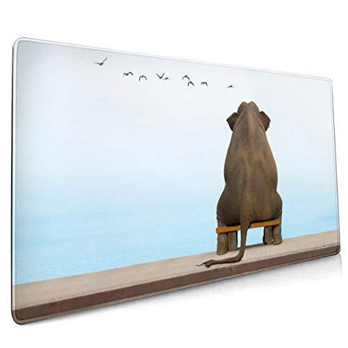 Een olifant zit op een bank in diepe contemplatie muismat niet slippen rubber grote Gaming Keyboard Mat 15.8x35.5 In